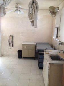 clinic-treatment-room